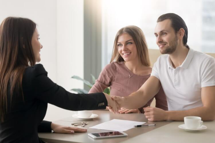 building-relationships-with-customers