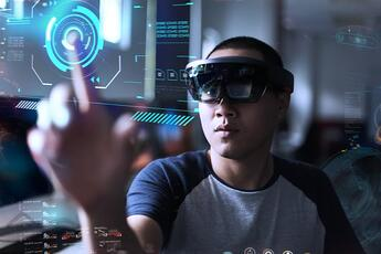 HoloLensとDynamicsで実現する予兆保全とは?
